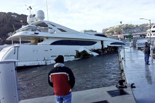 34m Yacht Sinks In Mallorca