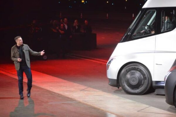 Elon Musk wants to connect RVs and trucks to the internet through SpaceX's Starlink satellites